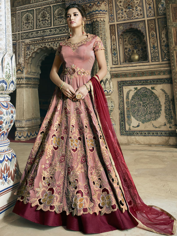 Ethnic Outfits This Navratri